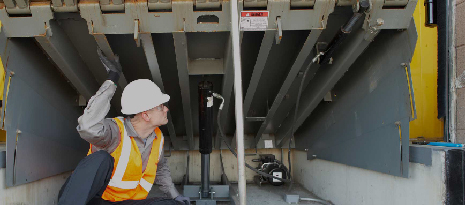 How poor dock leveler maintenance can lead to injury