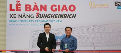 Bàn Giao Xe Nâng Jungheinrich Reach Truck ETV Đến Barett Smart Factory